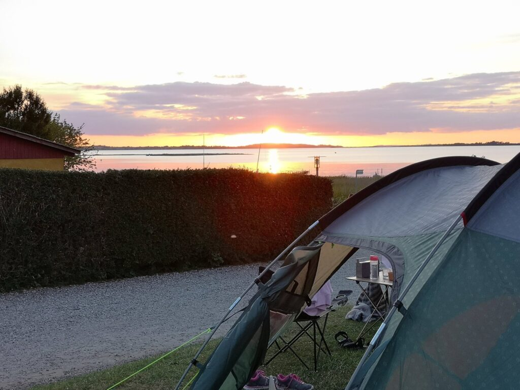 Camping på Bøjden Straind, Fyn - med god udsigt